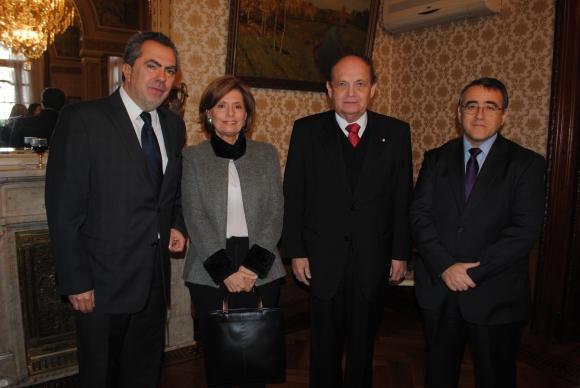 Embajador de Ecuador Galo Galarza, Cecilia Suárez, Embajador de Paraguay Enrique Chase Plate, José Antonio Cabedo.