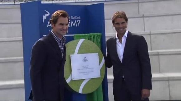 Roger Federer y Rafael Nadal durante la inauguración de la academia. Foto EFE