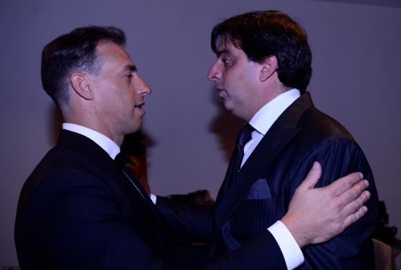 Maxi De la Cruz y Jorge Piñeyrúa, dos de los conductores de la gala en el back. Foto: Gerardo P