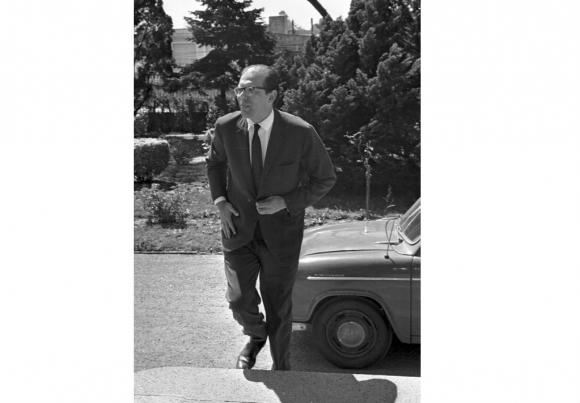 Jorge Batlle Ibañez llega a Residencia Suarez y Reyes en marzo 1967. Foto: Archivo EL PAÍS