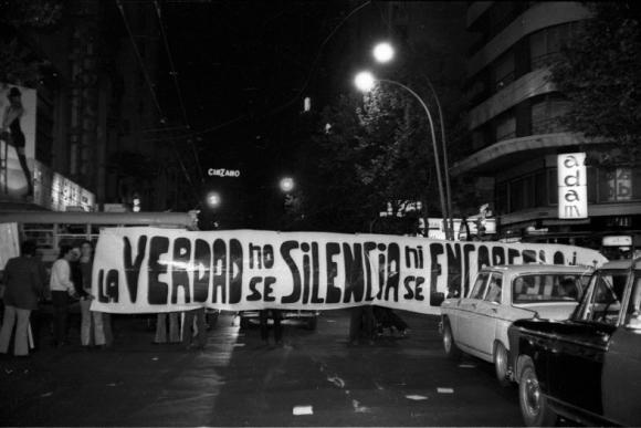 Protestas pidiendo la liberación de Batlle en 1972. Foto: Archivo El País.