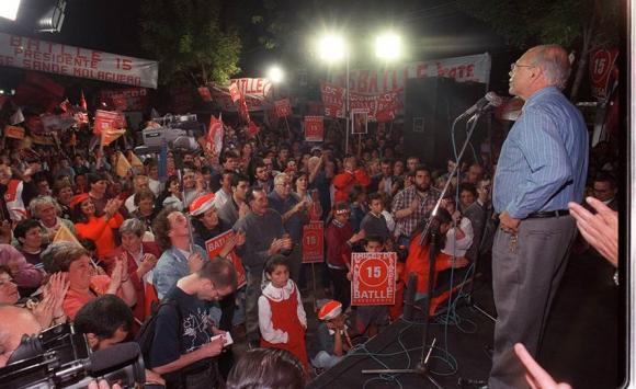 Batlle en la campaña electoral de 1999. Foto: Archivo El País.