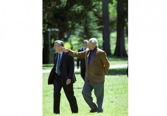 Jorge Batlle junto a Nestor Kirchner  en octubre de 2003. Foto: Archivo EL PAÍS