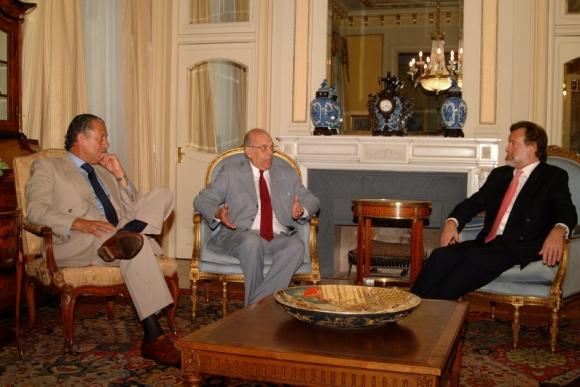 Batlle junto a Rafael Bielsa y Patiño Mayer, Canciller y embajador argentinos, respectivamente. Foto: Arcihvo El País.
