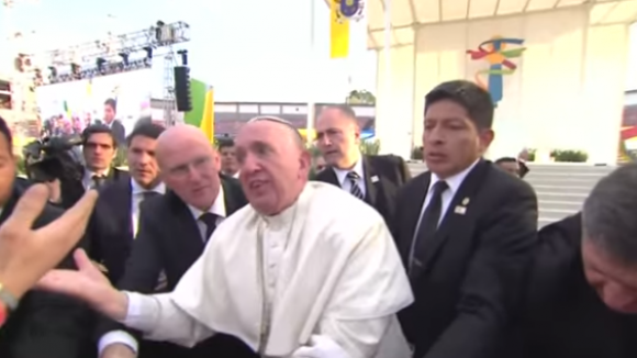 El papa Francisco enojado en México. Foto: Captura de video