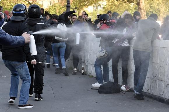 Disturbios en Francia por el Día del Trabajador. Foto: AFP
