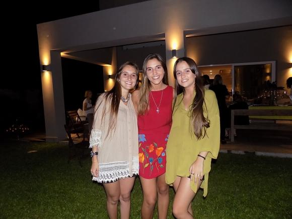 Catalina, Ema y Federica Rey.