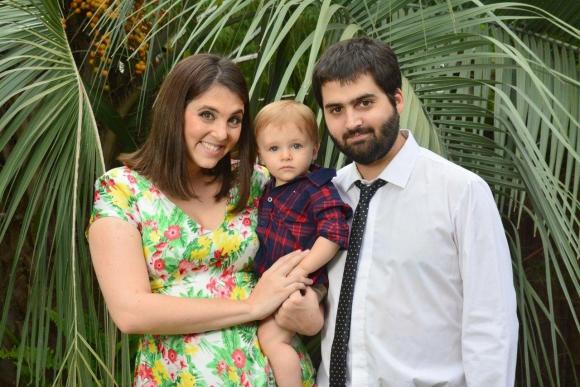 Junto a su marido Quico Greco y el pequeño Manuel, de un año.