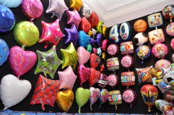 Balloon City ya no se restringe a niños y amplía su clientela.