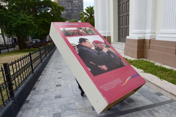 Las imágenes de Chávez fueron retiradas del Parlamento. Foto: AFP