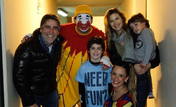 Con la familia de Paul Navarro y Pía Slapka.