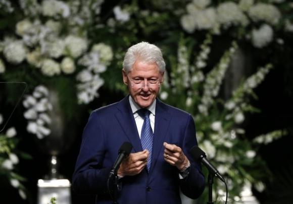 Bill Clinton habla durante la ceremonia de Muhammad Ali. Foto: Reuters