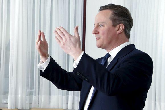 Cameron celebró el acuerdo y prometió convencer a su pueblo. Foto: AFP