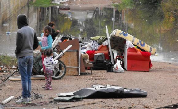 El Sinae registró 162 personas desplazadas en Salto, entre evacuados y autoevacuadoas. Foto: Luis Pérez.