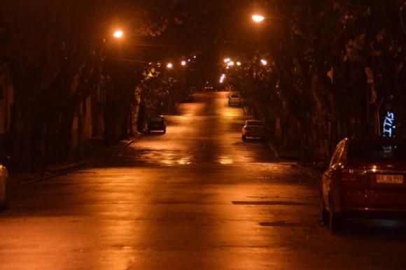 Durazno desierto en madrugada de alerta roja. Foto: Víctor Rodríguez.
