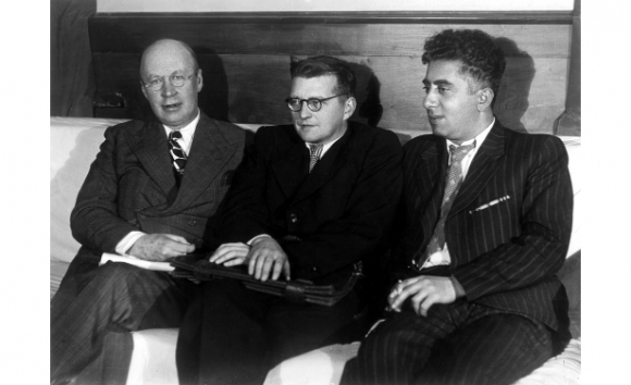 Los compositores Serguéi Prokófiev, Dmitri Shostakóvich y Aram Jachaturián.