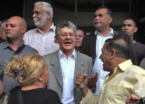 Ramos Allup dirigirá la Asamblea Nacional que tendrá mayoría sobre el chavismo. Foto: AFP.
