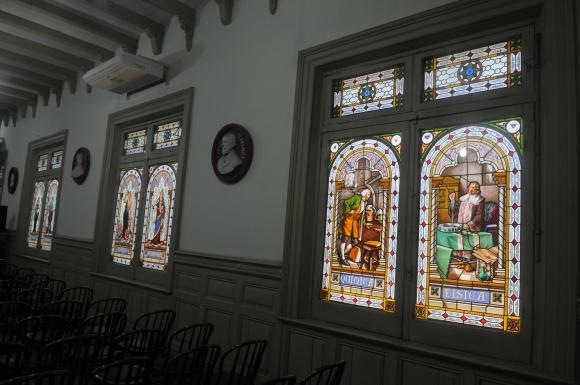 Vitrales en el museo pedagogico. Foto: Ariel Colmegna
