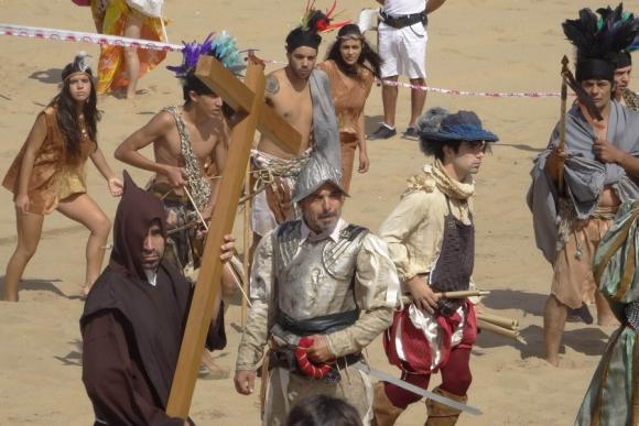Un grupo de actores recreó el desembarco de Solís. Foto: R. Figueredo