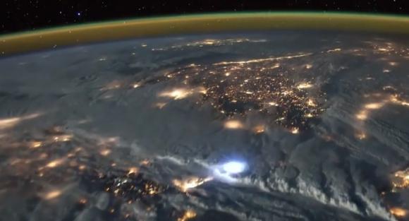 Tormenta desde el espacio. Foto: Captura de pantalla