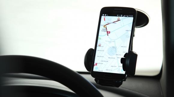 Waze. La app ofrece información de embotellamientos en tiempo real.  Foto: WOBI.