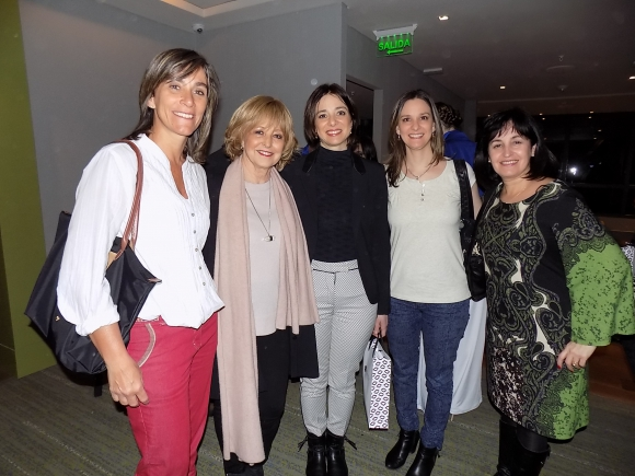 Verónica Venturino, Estela Jinchuk, Rosario y Carla Varallo, Angela Reixach.