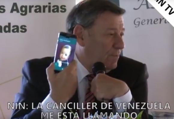 Nin Novoa recibe una llamada de la canciller venezolana. Foto: Zin TV