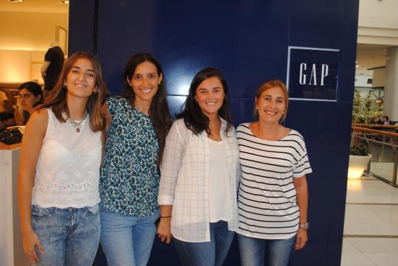 Estefania Gonzalez, Ana Laura Arismendi, María Campiotti, Cecilia Alves.