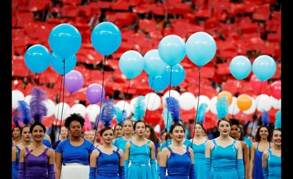 La ceremonia de apertura de la Eurocopa de Francia 2016. Fotos: AFP / Reuters / EFE