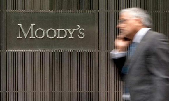 Moody's rebajó la perspectiva de la nota del sistema bancario uruguayo. Foto: AFP