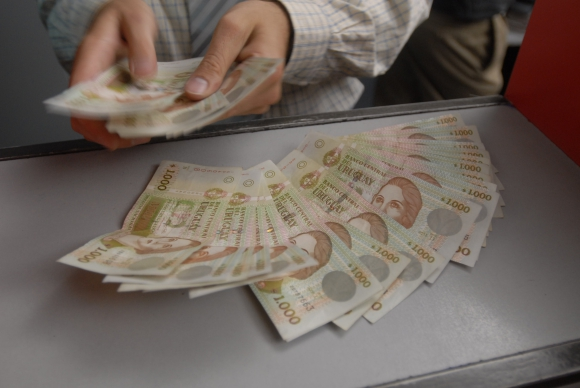 pesos, salarios