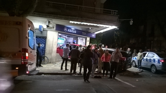 Fuerte choque en Juan Paullier y Canelones. Foto: Camila Beltrán