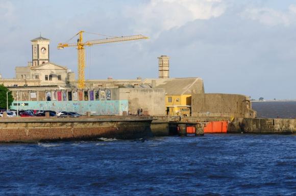 El proyecto incluye una terminal, un hotel y un parking. Foto: El País.