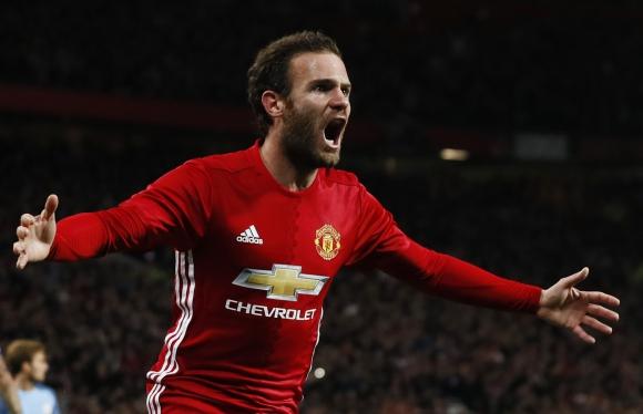 Juan Mata anotó el único tanto del encuentro ante el Manchester City. Foto: Reuters