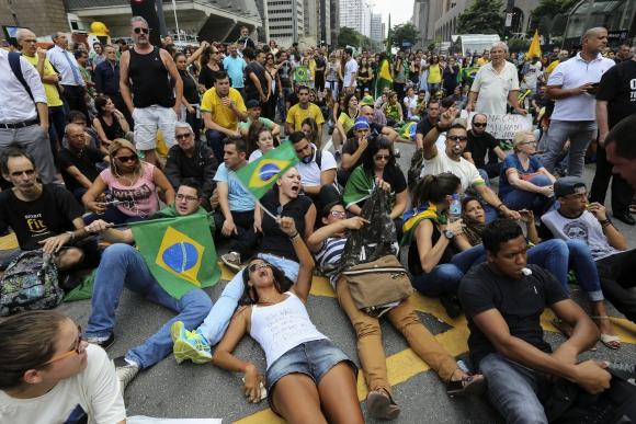 Protestas durante la toma de posesión de Lula da Silva. Foto: EFE