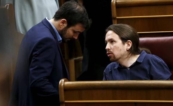 Pablo Iglesias junto a Alberto Garzón, líder de Izquierda Unida. Foto: Reuters.