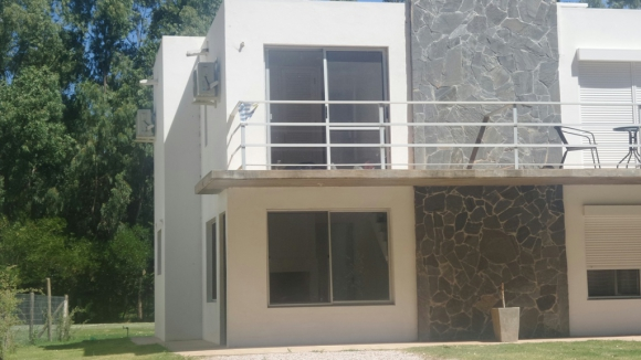 La casa donde vivía la mujer asesinada. Foto: Marcelo Gallardo.
