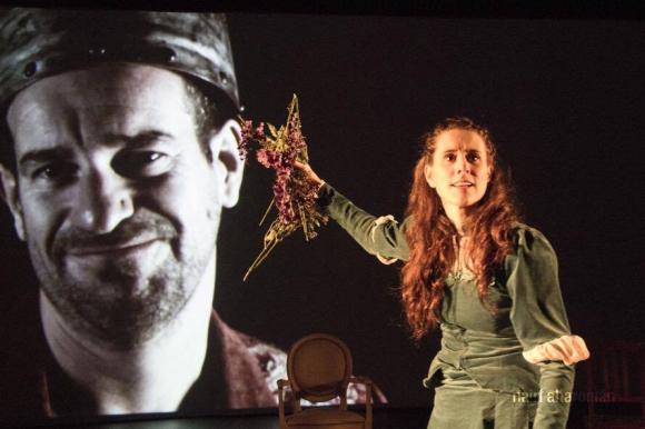 Gabriela Pérez durante una escena de Mucho de Ofelia.
