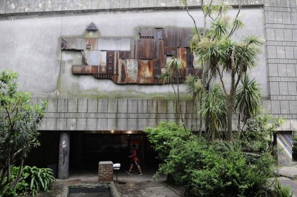 Mural firmado por el Taller Torres García en la década de 1950. Foto: D. Borrelli