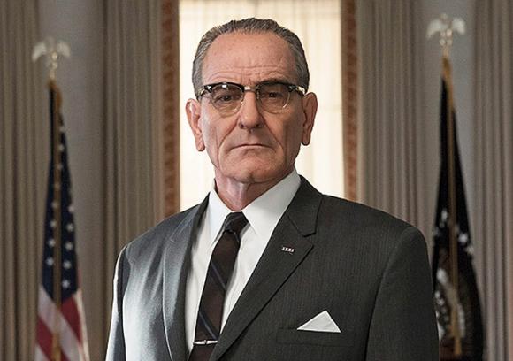 Bryan Cranston interpreta al presidente Lyndon Johnson en <i>All the way.</i>