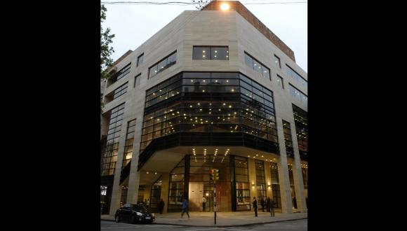 El Urquiza fue remodelado en 1931 para convertirse en el Estudio Auditorio del Sodre. En 2009 se inauguró el nuevo edificio. Foto: Archivo El País