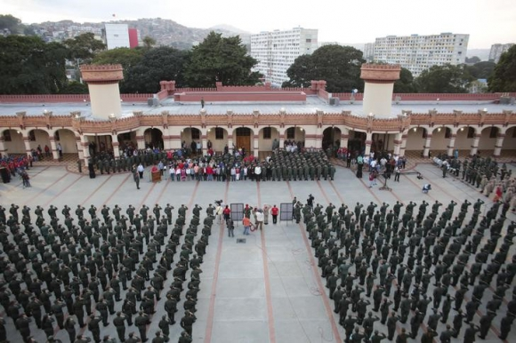 Maduro dice que sus adversarios planean una invasión. Foto: Reuters