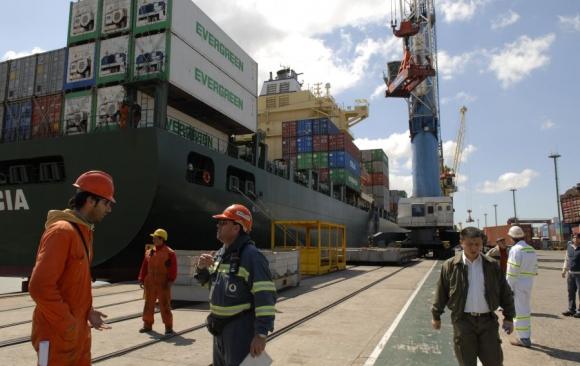Las exportaciones no logran repetir números positivos de años anteriores y llevan siete meses en baja.