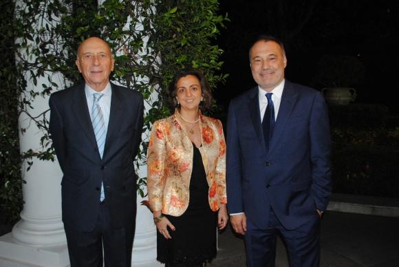 Manuel Fairen, Sonia Álvarez Cibanal, emb de España Roberto Varela Fariña.