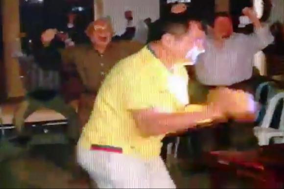 El festejo de Rafael Correa. Foto: Captura de video