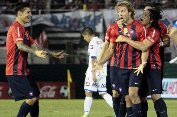 Diego Lugano lleva tres goles en el