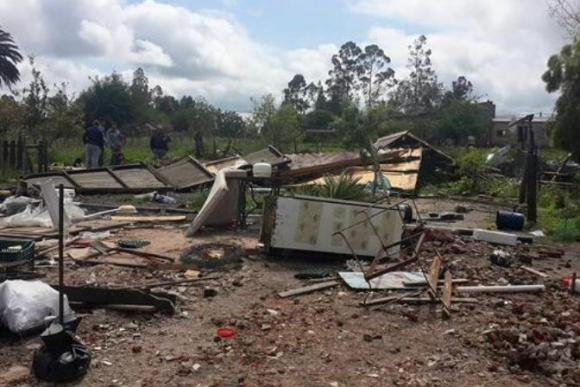 Turbonada en Durazno destrozó una cabaña. Foto: F. Agesta / Alternativa Durazno