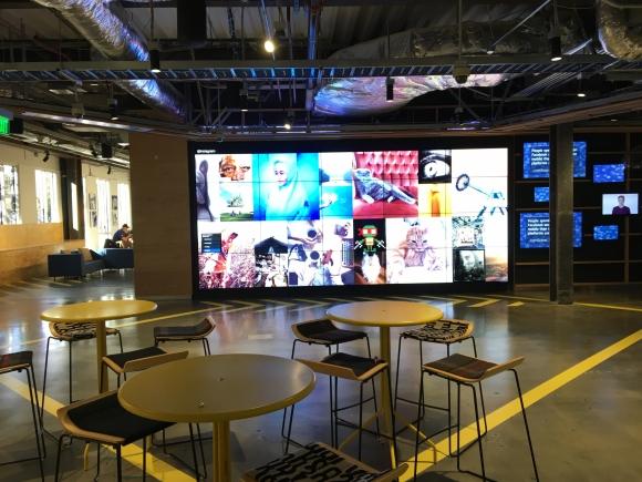Facebook. Los espacios abiertos son una característica del edificio. (Foto: Andrés Curbelo)