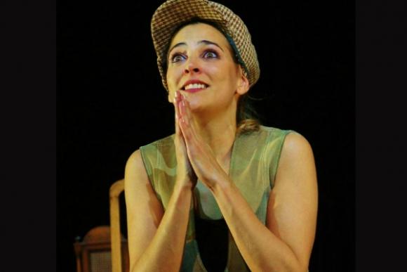 Maia Francia cruzó el charco para ahondar su formación en teatro; ya lleva 21 obras en cartel