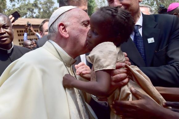 El papa Francisco en África. Foto: AFP